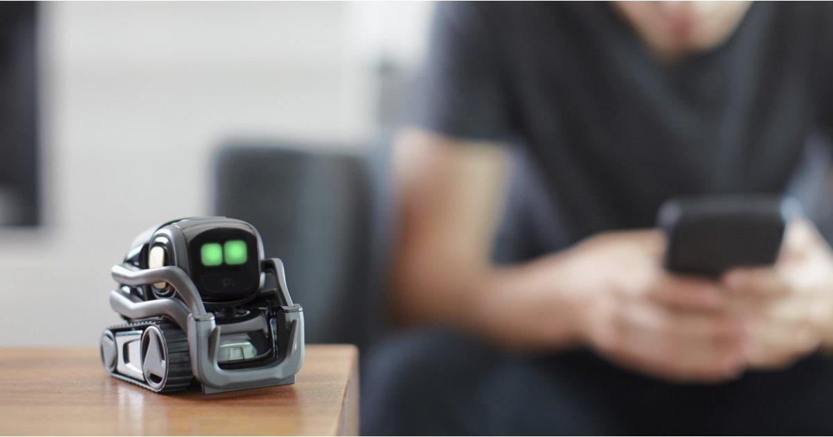 Anki's Vector is a cute, useful home robot you can actually