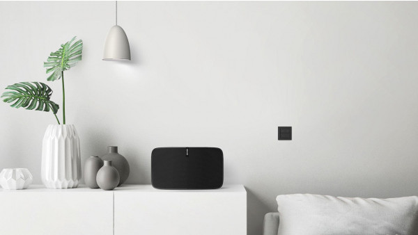 Nuimo Click controls Philips Hue lights and Sonos speakers from the wall
